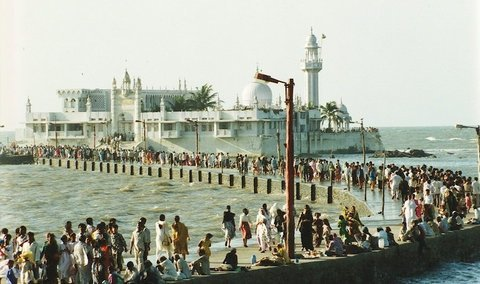mosque_at_sea