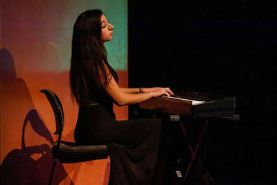 Veronica Mansour Keyboard